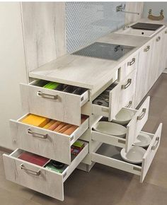 56 Clever Way Decorate Kitchen Cabinet Organization Design-Ideen 56 Clever Way Decorate Kitchen Cabinet Clever Modern Kitchen Cabinet Take Some for Your IdeasAmazingly Clever Storage and Organization Ideas Pretty Kitchen Cabinet Organization Ideas Diy Kitchen Storage, Kitchen Cabinet Organization, Kitchen Drawers, Kitchen Cabinet Design, Home Decor Kitchen, New Kitchen, Home Kitchens, Kitchen Corner, Corner Drawers