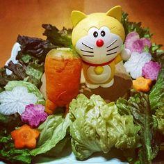 【hiyokomame0112】さんのInstagramをピンしています。 《***なかよくなったので、森に遊びに行きました( ◜◡◝ )💓完 ※使った野菜はすべて私の胃袋に収まりました。( ˘ω˘ )*** #にんじん #野菜 #変な野菜 #おすわり #ちょこん #短足 #黄色い #ドラえもん #くむくむパズル #野菜の #森 #安心してください #食べましたよ #carrot #forest #of #vegetables #funnyvegetables #sitting #cute #doraemon》