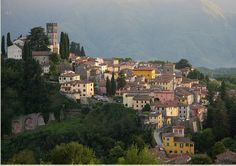 Barga itself had a colourful past with its strategic position high in the mountains there was always many conflicts trying to take over. Description from quilietti.com. I searched for this on bing.com/images