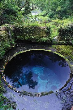 Old well remaining at the spinning factory site, Kakida River Park, Shizuoka, Japan(柿田川公園にある紡績工場跡の古井戸)