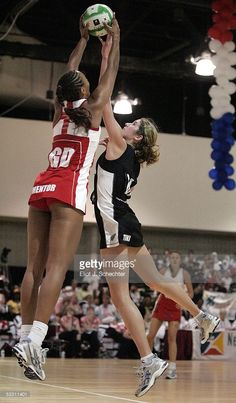 Jessica Tuki of New Zealand jumps for the ball against Geva Mentor of England during the Final match at the World Netball Youth Championships on July 2005 in Fort Lauderdale, Florida. Get premium, high resolution news photos at Getty Images But Football, Netball, July 31, Fort Lauderdale, Sport Girl, Gymnastics, New Zealand, Have Fun, Competition