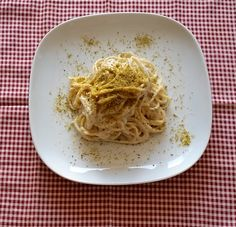 spaghetti Rummo con ricotta e pistacchi