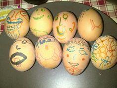 Ons eier teken tradiesie op paasfees!