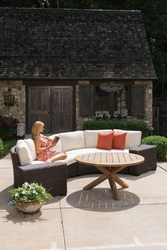 Lloyd Flanders Premium Outdoor Furniture Is Woven For Life And Crafted To Serve Your Family For Generations Browse Our Lloyd Loom Wicker Woven Vinyl