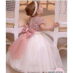 Baby Girl Frocks, Frocks For Girls, Little Girl Dresses, Flower Girl Dresses, Mommy Daughter Dresses, Mother Daughter Fashion, Baby Dress Design, Frock Design, Baby Birthday Dress