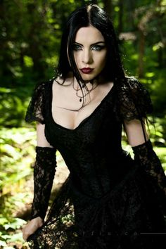 Top Gothic Fashion Tips To Keep You In Style. As trends change, and you age, be willing to alter your style so that you can always look your best. Consistently using good gothic fashion sense can help Dark Beauty, Goth Beauty, Gothic Outfits, Gothic Dress, Dark Fashion, Gothic Fashion, Style Fashion, Ladies Fashion, Steampunk Fashion
