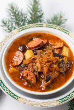 Tradiční slovenská kapustnica Czech Recipes, Ethnic Recipes, Soup Recipes, Cooking Recipes, Soup And Sandwich, Food 52, Christmas Baking, Thai Red Curry, Pork
