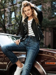 madewell washed leather jacket worn with the whisper cotton tee + cruiser crop jeans.