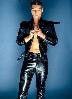 Leather Pants, Guys, How To Wear, Fashion, Leather Jogger Pants, Moda, Fashion Styles, Lederhosen, Leather Leggings