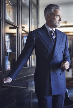 This Ivy House - iqfashion: Cesare Attolini - F/W Via:. Sharp Dressed Man, Well Dressed Men, Suit Fashion, Mens Fashion, Flannel Suit, Dapper Men, Fine Men, Gentleman Style, British Style