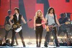 I loved the band Perry's performance at the 2014 ACM'S