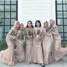 Dress Hijab Bridesmaid Batik Super Ideas - New Ideas Hijab Prom Dress, Dress Brukat, Hijab Gown, Muslimah Wedding Dress, Muslim Wedding Dresses, Batik Dress, Wedding Party Dresses, The Dress, Dress Outfits