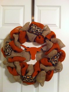 Texas Longhorn Burlap Wreath 35.00 tlmunda@yahoo.com https://www.facebook.com/terris.treasures.12
