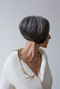 Her hair AND that necklace! Annette Lechler: