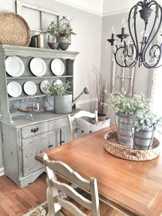 Dining room painted in Repose Gray by Sherwin Williams.