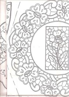 Lene Richelieu e Bainha Aberta: Riscos de Richelieu da net Border Embroidery Designs, Cutwork Embroidery, Floral Embroidery Patterns, Vintage Embroidery, Embroidery Stitches, Machine Embroidery, Bordado Popular, Advanced Embroidery, Whole Cloth Quilts