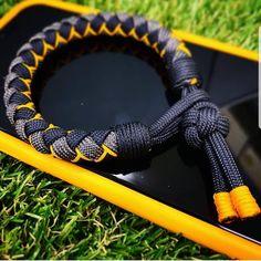 Diy Bracelet Designs, Paracord Bracelet Designs, Paracord Projects, Paracord Bracelets, Bracelet Tutorial, Bracelet Patterns, Paracord Bracelet Survival, Paracord Knots, 550 Paracord
