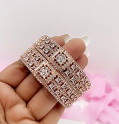 Pakistani Jewelry, Bollywood Jewelry, Indian Jewelry, Boho Jewelry, Bridal Jewelry, Bangle Bracelets, Bangles, Indian Party Wear, Bridal Earrings