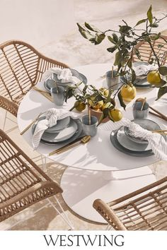The new Westwing Collection Spring / Summer 2020 combines different materials such as wood and Plexiglas, Vienna straw and velvet. The accessories hav. Zara Home, Apartment Decoration, Living Room Decor, Bedroom Decor, Deco Table, Winter Garden, Furniture Collection, Home Interior Design, Diy Design