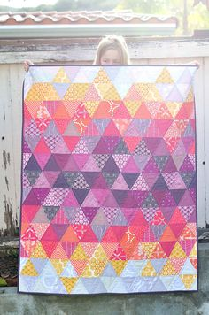 have to make a triangle quilt someday and this is beautiful inspiration Sundown Quilt - Radiant Orchid Quilt Challenge Quilting Projects, Quilting Designs, Sewing Projects, Quilting Ideas, Quilt Baby, Quilt Festival, Quilt Patterns, Sewing Patterns, Quilt Modernen