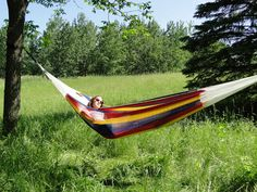 These Mayan hammocks are well-known around the world for their unmatched comfort. Their long-standing secret is the thin cotton-string diamond-shaped weave that makes this one of the most restful hammocks in the world. Hammock Cover, Hammock Bed, Indoor Hammock, Hammock Stand, Ottawa, Mayan Hammock, Under The Rain, Double Hammock, Porche