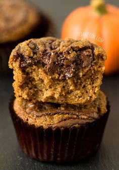 Pumpkin Spice Latte Nutella Muffins that are #grain-free, #gluten-free, #dairy-free, and quick and easy! With a link to homemade, refined sugar free chocolate hazelnut spread.