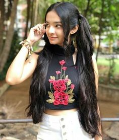 Anu in my hair style Stylish Girls Photos, Stylish Girl Pic, Girl Photos, Cute Little Girl Dresses, Cute Little Girls, Pretty Girls, Child Actresses, Indian Actresses, Child Actors