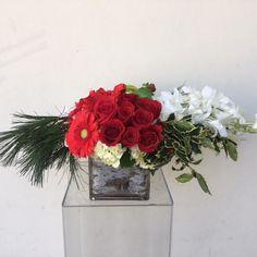Arrangement of the Day #flowers #florist #PalmSprings #PalmSpringsFlorist #California #weddings #events #localbiz #smallbiz #specialoccasions #Coachella #coachellavalley #desert #riverside #weddings #events #localbiz #holidays #banquets #decor #beauty #anniversary #love #celebrate #weddings #gifts #surprise #justbecaus