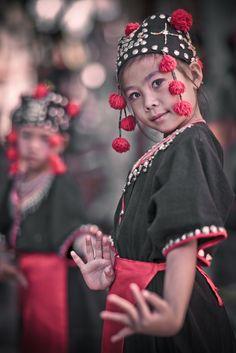 Thai Dance - northern hill tribes