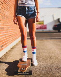 That 70's style. Photo via @shelbyylouwho on Instagram