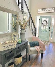 Fresh Farmhouse, Farmhouse Homes, Farmhouse Design, Farmhouse Decor, Country Homes, Farmhouse Style, Country Entryway, Country Decor, Entryway Decor
