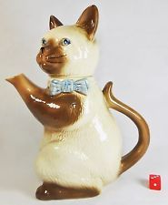 Vintage Mid 20th Century Pussy Foot Cat Figure Teapot. H J Wood Made in England