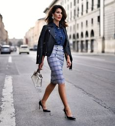 Sundays are even more peaceful if our Monday work attire is ready to go! So why not pair a fab pencil skirt with a cool denim shirt and a rock chic leather topper for tomorrow! Monday office look sorted ✔️now let's continue to chillax 😊💋 . Women's Fashion Dresses, Skirt Fashion, Urban Fashion, Boho Fashion, Fashion Black, Fashion Top, Cheap Fashion, Spring Fashion, Fashion Women