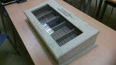 Caja de puros reconvertida en caja de pinceles con chalky y decapada...de regina
