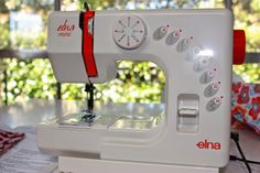 Teapot & Snail: The perfect kids' sewing machine! teapotandsnail.blogspot.com