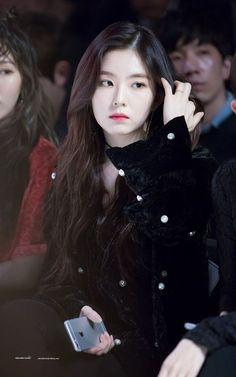 High quality photos of your favorite Kpop artists Irene Red Velvet, Wendy Red Velvet, Pink Velvet, Kpop Girl Groups, Korean Girl Groups, Kpop Girls, Seulgi, Red Velet, Seoul Fashion