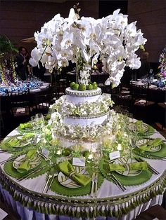 Roric Tobin for Geoffrey Bradfield NYBG Orchid Dinner -Spectacular table setting! Floral Centerpieces, Table Centerpieces, Wedding Centerpieces, Wedding Table, Centrepieces, Reception Decorations, Event Decor, Table Decorations, Reception Ideas