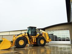 "Thank you @FabickCat for a GREAT visit! We #love your statement, ""To Ever Serve Our Customers Better"" #heavyequipment"