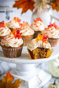 Pumpkin Spice Cupcakes are the quintessential fall dessert everyone needs! My recipe makes this a simple but delicious treat you will love. Fall Dessert Recipes, Fall Desserts, Cupcake Recipes, Cupcake Cakes, Baking Cupcakes, Cup Cakes, Brownie Cupcakes, Desserts Menu, Thanksgiving Cupcakes