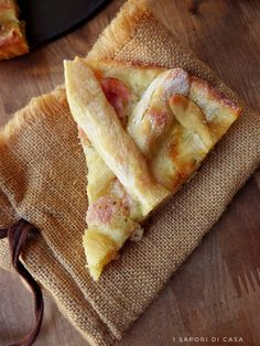 Crostata di patate con prosciutto e mozzarella Easy Cooking, Cooking Recipes, My Favorite Food, Favorite Recipes, Biscotti Cookies, Kitchen Confidential, Brunch, Eat Smart, Antipasto