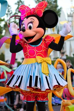 Minnie Mouse wearing her colorful Soundsational Parade outfit! Too cute!
