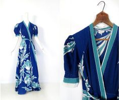 sold // 1930s Miami Deco seersucker dressing gown by Beautyrobe