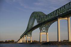 Laviolette Bridge connecting the city of Trois-Rivières to Bécancour on the south shore of the Saint Lawrence River via Autoroute 55, Quebec, Canada
