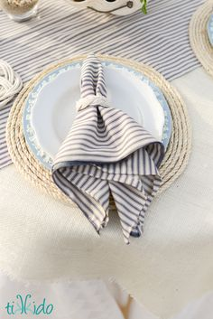 Rustic Nautical Rope Charger With Pottery Barn Style - Rustic nautical rope plate chargers for your dining room table--it's easy to recreate this Pottery Barn s…