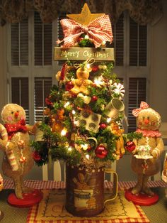 Gingerbread tree in Sifter    Looks a lot like our tree in the dining room