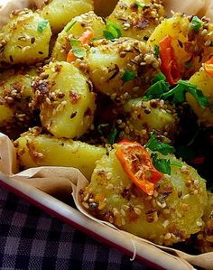 Cool Spicy curry potatoes with sesame seed