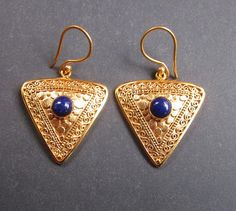 Bali Gold plated Tribal Afghan style Earrings - Lapis Lazuli - Nomad jewelry. Bali Jewelry, Unique Jewelry, Rings N Things, Fab Shoes, Modern Bohemian, Diamond Are A Girls Best Friend, Hippie Chic, Afghanistan, Lapis Lazuli