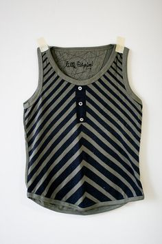 Child tank top with zig zag stripes (Etsy, thelittlellama)