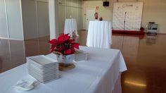 Catering en la empresa Eleval Electrónicos en su sede de Valencia. La celebración consistió en una comida cóctel-buffet en la que se optó por la cucharilla de tartar de salmón, paquetitos de cordero, montaditos de humus con cebolla caramelizada, espuma de titaina y una cazuelita de arroz al horno, entre otros. Los vinos y el cava fueron cuidadosamente seleccionados, el que más triunfó fue el Nodus reserva de familia. Si vas a celebrar un evento, contáctanos: 676 292 032