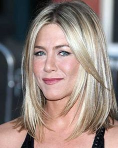 Long Bob, the haircut of the moment In my opinion, there is no more sophisticated and chic haircut than Long Bob, a kind of haircut . Cabelo Jenifer Aniston, Jennifer Aniston Long Bob, Jennifer Aniston Style, Jennifer Lawrence, Medium Hair Styles, Short Hair Styles, Chic Haircut, Messy Bob Hairstyles, Great Hair